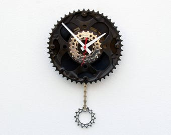 bike wall clock, wall clock, bike gear clock, bike lover gift, bike gift clock, pendulum wall clock, Recycle Bike gear clock, 45 vinyl Clock