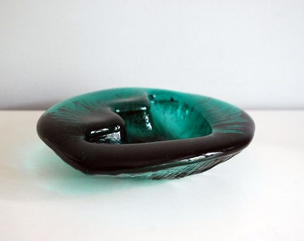 Blenko Art Glass, 1960s Teal Bowl, Mid Century Modern Dish, Freeform Glass, Amoeba Dish, Glass Ashtray, Green Molded Glass Accent Dish