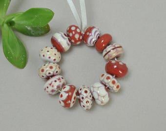 Ivory studies, reds - Lampwork beads by Loupiac