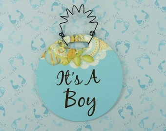 ITS A BOY Tiny Sign Blue Gender Reveal Wreath Decor Baby Shower Gift Hanging Curly Wire Plastic 4 inch Ornament Gift Basket Embellishment