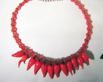 Vintage Glass Beaded Red Chili Pepper Necklace     0817