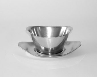 Vintage WMF Cromargan Germany Stainless Steel Serving Sauce Gravy Boat with Tray, circa 1950s – 1960s