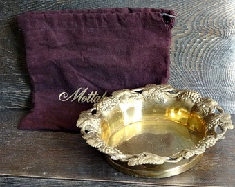 Mottahedeh Brass Wine Bottle Coaster Grapes with Bag Polishing Cloth