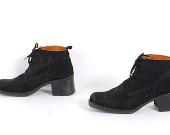 size 10 CHUNKY black suede leather 80s 90s CHELSEA lace up ankle boots