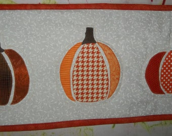 Pumpkin Table Runner/Wall Hanging, Appliqued on White Background, Fall/Thanksgiving Decor