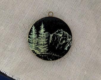 mountain trees explorer round antique bronze locket 32mm (LD206)