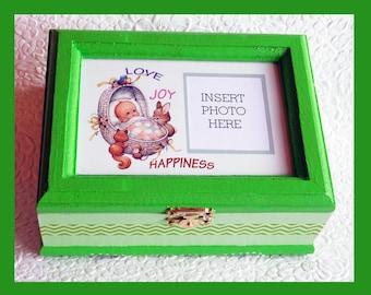 Baby Music Memory Box, Keepsake Box, Plays Brahms Lullaby, Personalized Keepsake Box, Storage Box, Music Box, Baby Gift, Wood Box, Photo box