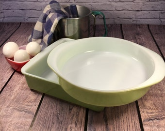 Square Pyrex Dish 8 inch Lime and Round Pyrex Cake Dish 8 inch Lime