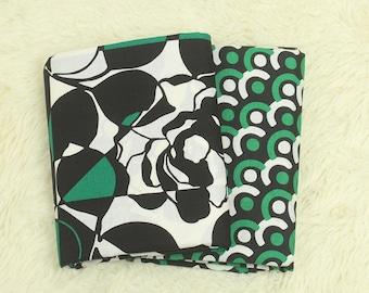 4321 - Retro Rose & Circle Cotton Fabric - 59 Inch (Width) x 1/2 Yard (Length)