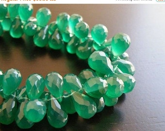Black Friday Sale Onyx Gemstone Briolette AAA Emerald Green Faceted 3d Teardrop 12.5 to 13.5mm 33 beads