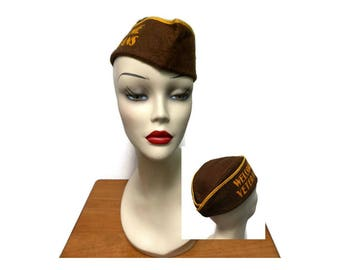 Vintage Welcome Veterans Souvenir Garrison Cap Small - Medium Adult Brown Yellow Paper-Cloth Army Military