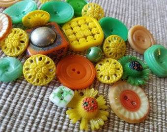 Vintage Buttons - Cottage chic mix of green, yellow,and orange lot of 25 old and sweet( may 61 17)