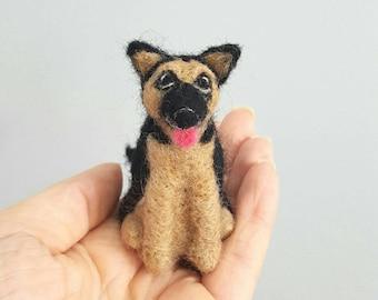 Needle felted german shephard ornament, Custom dog ornament, Custom pet portrait, Dog memorial, Dog lover gift