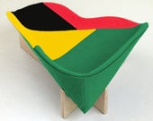 Modern cat bed in green, red, yellow, black geometric Ghana mix