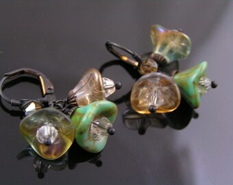 Czech Glass Flower Earrings, Summer Earrings, Czech Flower Earrings, Cluster Earrings, Wire Wrapped Earrings, Flower Jewelry, Boho Earrings