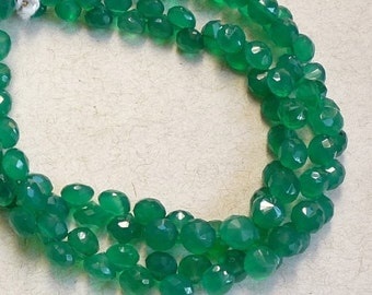 25% Off Sale Emerald Green Onyx Onion Briolette Beads, 6mm Faceted Gemstone, 8 Inches