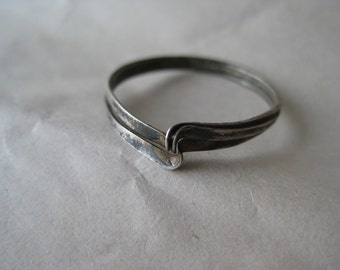 Modern Sterling Ring Vintage size 8 1/2 925 Silver Mod