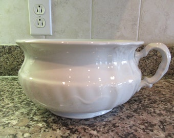 J&G Meakin (England) white ironstone chamber pot- fine condition, beautiful, great home decor