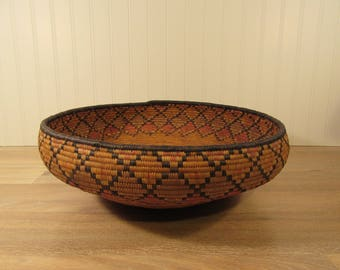 Beautiful large vintage tribal coil basket in very nice condition- woven basket, vintage tribal basket, indian basket