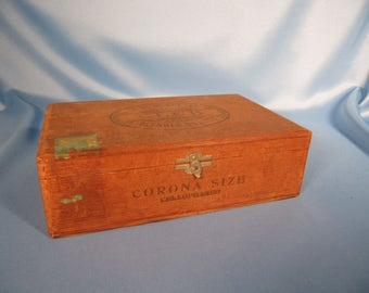 ANTIQUE WARD ROBERTS Cigar Box,American made antique cigar box from New Jersey,Temple Club Sturdy antique wood cigar box from New Jersey