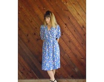 extra 30% off sale . . . Periwinkle Floral s/s Tea Length Dress - Vintage 80s - S/M