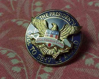 Vintage USA Freedom Corps The President's Call to Service Award Lapel hat pin