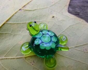 turtle bead, handmade glass turtle pendant, lampwork focal bead Made to order