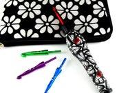 Interchangeable Ergonomic Crochet Hook Set - Black and White Leaves