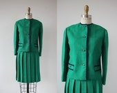 vintage 1960s suit / 60s kelly green pleated skirt suit / 60s jackie o suit / 60s boxy suit jacket / 60s italian suit / size xs extra small