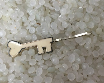 vintage barrette, bobby pin white skeleton key