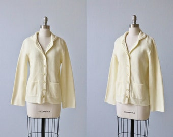 Vintage 1970s Cream Ribbed Knit Cardigan  Sweater / Button Down / Pockets / Small