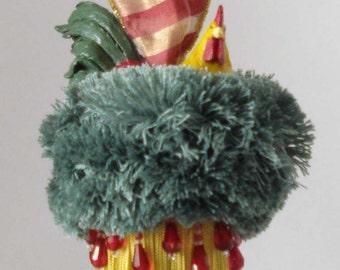 Rooster Tassel in Elegant Holiday Colors