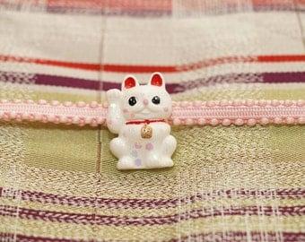 Obidome, obi accessory, kimono jewelry, lucky cat, maneki neko, cats jewelry, cat accessory, Japanese, resin jewelry, anime, geek girl