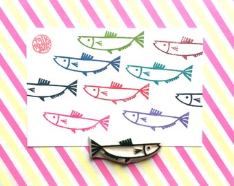 fish rubber stamp. under the sea stamp. hand carved stamp. summer kids' crafts. holiday scrapbooking. diy fish pattern gift wraps. no2
