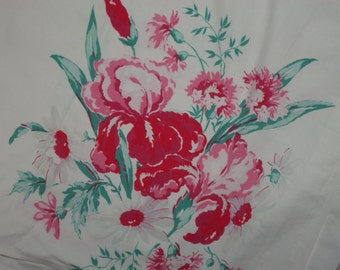 Vintage Tablecloth Iris Floral Bouquet Cottage chic 50s stunning