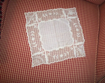 Vintage Handkerchief Hankie Atlantic City Miss America golf   lace  edging off  white wow chic