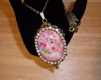 """Shabby Pink Roses Pendant Necklace Art Bubble Cameo 24"""" Chain Antique Gold"""