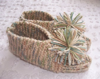 HAND KNITTED  Womens Slippers   (size 7 / 7 1/2)
