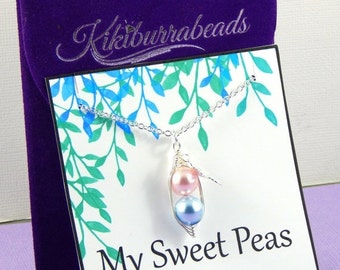 Christmas Sale Peas In A Pod, Two Peas in a Pod Necklace, Silver Pea Pod Necklace, Mothers Necklace, Twins Necklace, Sisters Necklace, Best