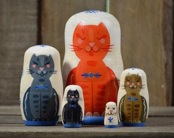 Handmade Matryoshka Russian nesting dolls - 5 pieces - Folk art - Daytime Babushcats