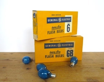 Vintage General Electric flash bulbs 6B or 6 12 Sure Fire Camera flash bulbs Dozen flash bulbs New in box Camera collectiblles Blue or clear