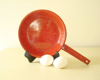 Vintage red & white graniteware fry pan, enamel spatterware, red enamelware, speckled tin frying pan for outdoor camping and decor