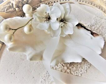 WEDDING RING HOLDER Ring Pillow Ring Bearer Pillow Alternative Seashell Seashell Dish Beach Clam Ivory Pearl Starfish Bowl Box Ringbearer