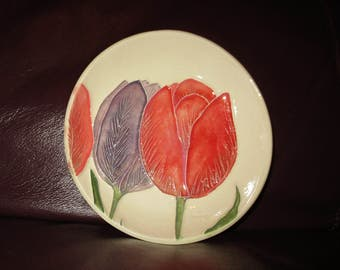 "Tulips!  Handmade Ceramic wall hanging   5""                                              193"