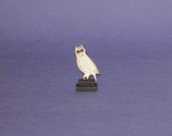 Carved Owl in 1/12th scale for dollhouse