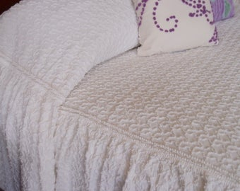 Vintage Chenille Bedspread, Cabin Crafts white needletuft squiggles with skirts, full size - #800-151