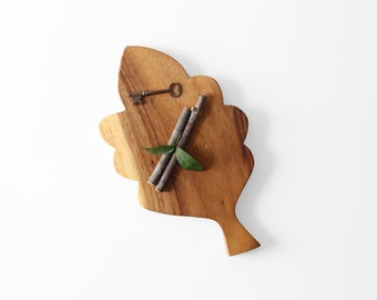 Oak Leaf Wood Cutting Board