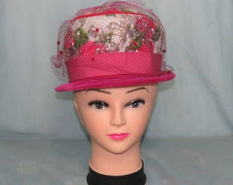 1950's-1960's Union labeled Brocade and velvet hat with netting size M