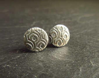Sterling silver studs with geometric design, silver studs, round earrings, patterned metal, post earrings, silver stud earrings, metalwork
