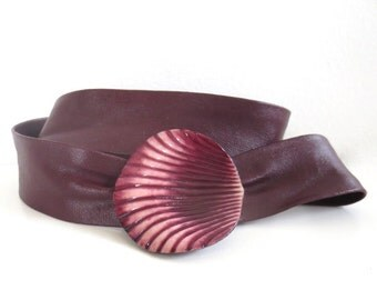 Vintage Burgundy Leather Plastic Shell Belt